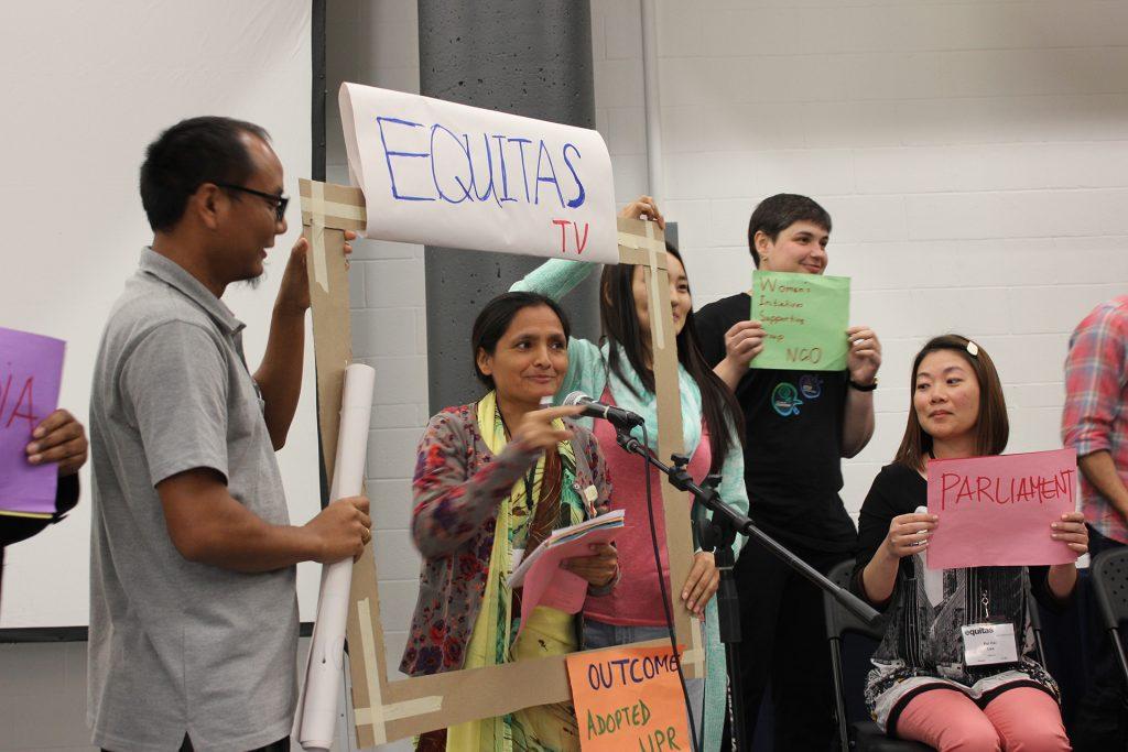 Basée à Montréal, Equitas est l'organisation la plus ancienne et la plus active au Canada en matière d'éducation aux droits humains. Tous nos efforts sont consacrés à l'avancement de l'égalité, de la justice sociale et du respect des droits humains par des programmes d'éducation transformateurs. Au cours des cinquante dernières années, nous avons sensibilisé plus de deux millions de personnes partout dans le monde.